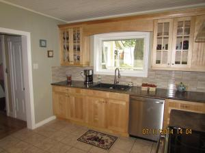 Beadboard kitchen4