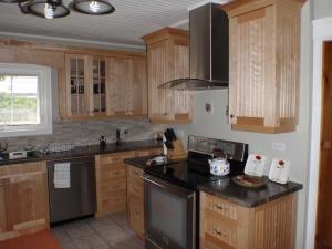 Beadboard kitchen3
